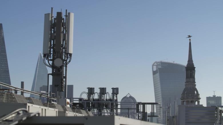 UK weighs ban on Huawei's 5G tech