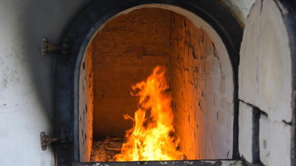 Flame cremation in the crematorium.
