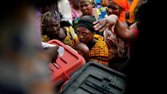 Nigerians line up to vote in Kaduna, Nigeria.
