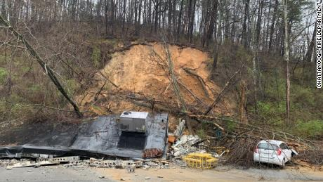 A landslide in Chattanooga, Tennessee destroyed a Subway restaurant, the Fire Department said.