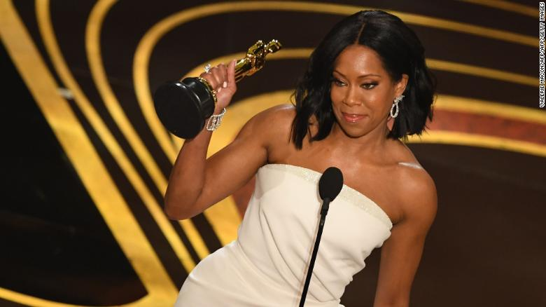 """Best Supporting Actress nominee for """"If Beale Street Could Talk"""" Regina King accepts her Oscar during the 91st Annual Academy Awards at the Dolby Theatre in Hollywood, California on February 24, 2019. (Photo by VALERIE MACON / AFP)        (Photo credit should read VALERIE MACON/AFP/Getty Images)"""