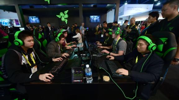 Gamers play 'Overland' by Blizzard using hardware from Razer during the 2017 Consumer Electronic Show (CES) in Las Vegas, Nevada, January 6, 2017. / AFP / Frederic J. BROWN        (Photo credit should read FREDERIC J. BROWN/AFP/Getty Images)