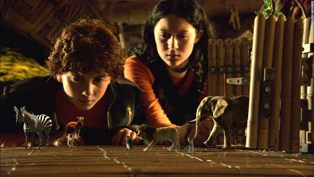 """"""" Spy Kids 2: The Island of Lost Dreams"""" :  Daryl Sabara and Alexa Vega star in this action kids movie about a pair of spy siblings. (Netflix"""