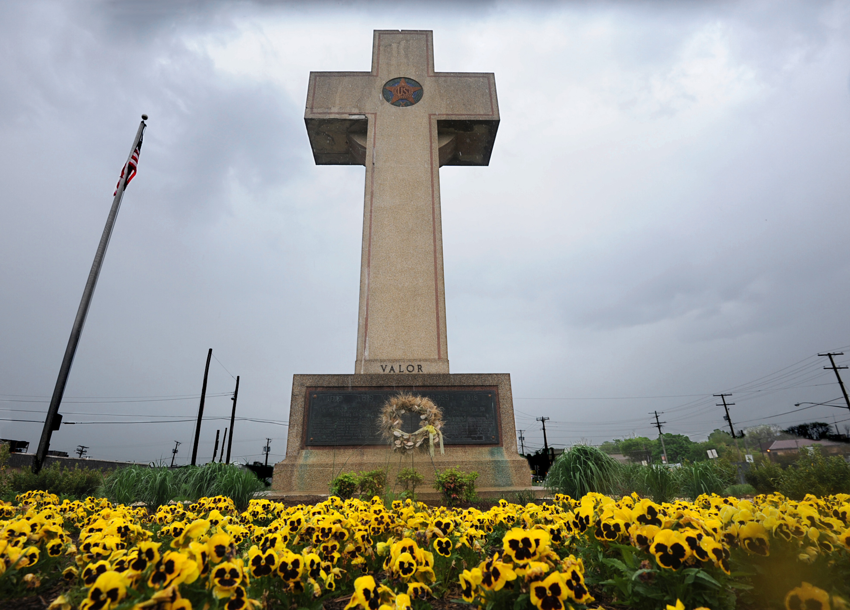 190226155446-02-bladensburg-peace-cross.jpg