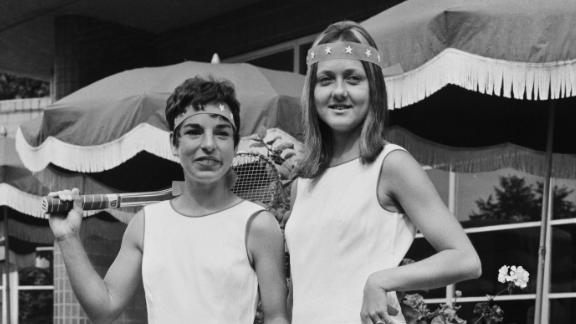 Heldman poses with former world No.4 Peaches Bartkowicz in 1969, a year before the Virginia Slims Circuit would first be introduced.