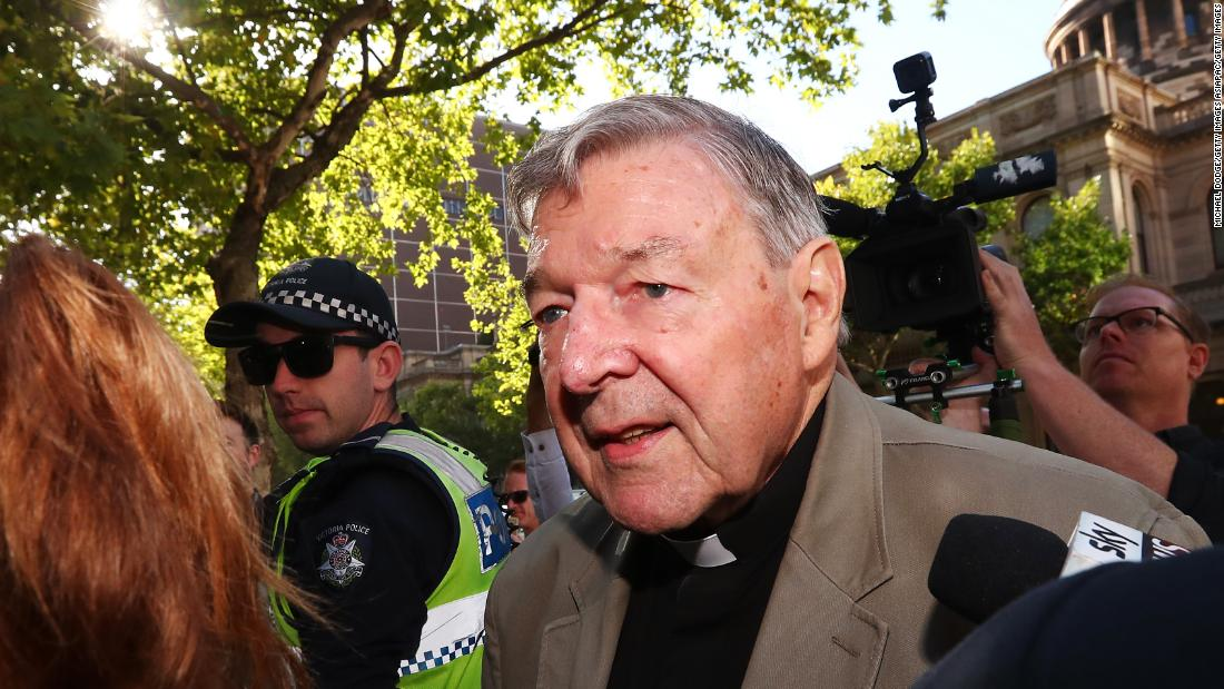 Peringkat tertinggi Katolik resmi yang pernah secara terbuka menuduh anak sex pelanggaran yang akan dibebaskan
