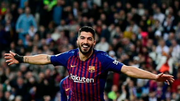 Suarez celebrates his second goal against Real.