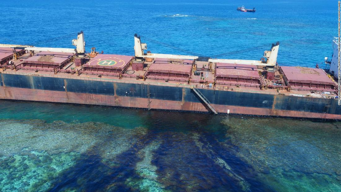 An oil leak in the Solomon Islands is threatening the world's largest raised coral atoll