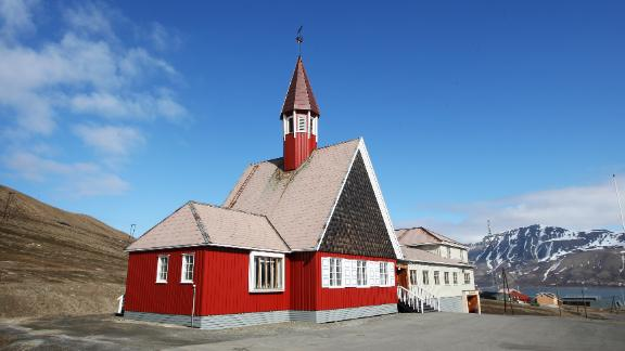 Longyearbyen is home to the world's northernmost church. It has been earmarked as one of the first buildings that Statsbygg will renovate.
