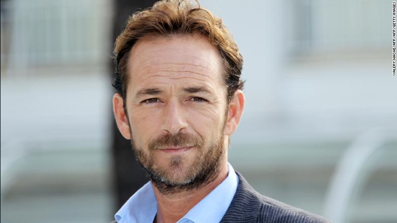 '90210' star Luke Perry dead at 52