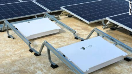 Yotta Solar's energy-storing devices can be kept under photovoltaic solar panels and self-regulate the temperature of the batteries inside.