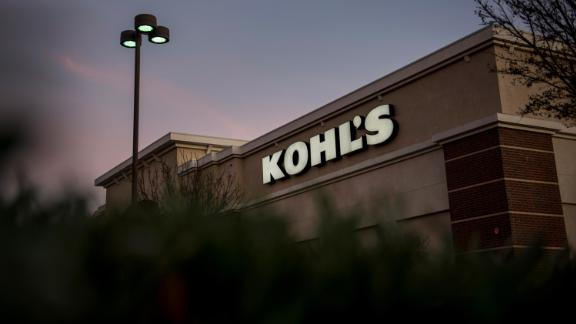 A Kohl's Corp. store stands in Concord, California, U.S., on Tuesday, Feb. 24, 2015. Kohl's Corp. is expected to release earnings figures on Feb. 26. Photographer: David Paul Morris/Bloomberg via Getty Images