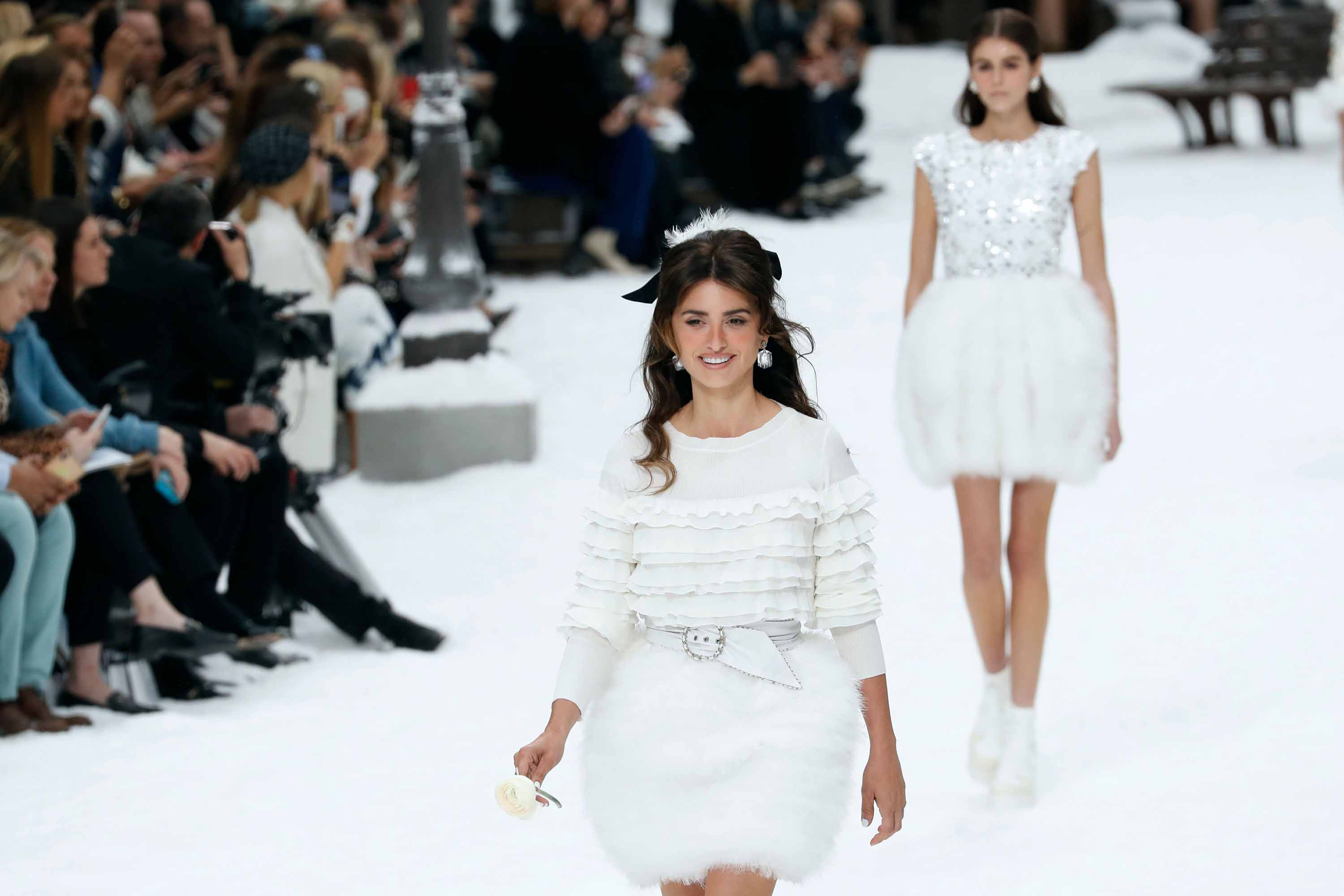 cae2f031 Paris Fashion Week: A moment of silence for Karl Lagerfeld at Chanel's  first show - CNN Style
