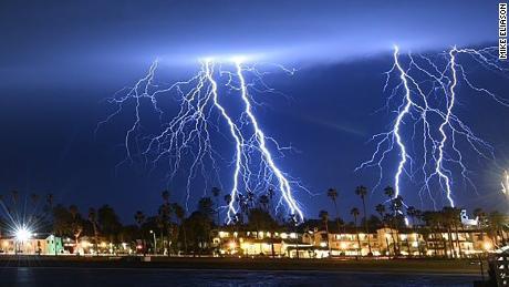 6bb799ea9785 Southern California storm  photos capture lightning s dramatic show ...