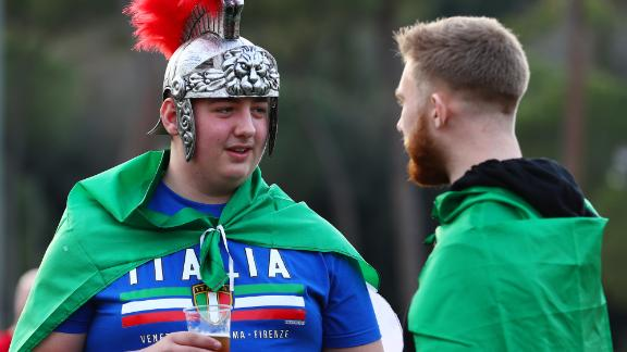 If ever there was an outfit that contrasted a team's form, this optimistic Italian's gladiatorial splendor doesn't quite match Italy's recent Six Nations record. Sergio Parisse and co. are without a win since 2015.