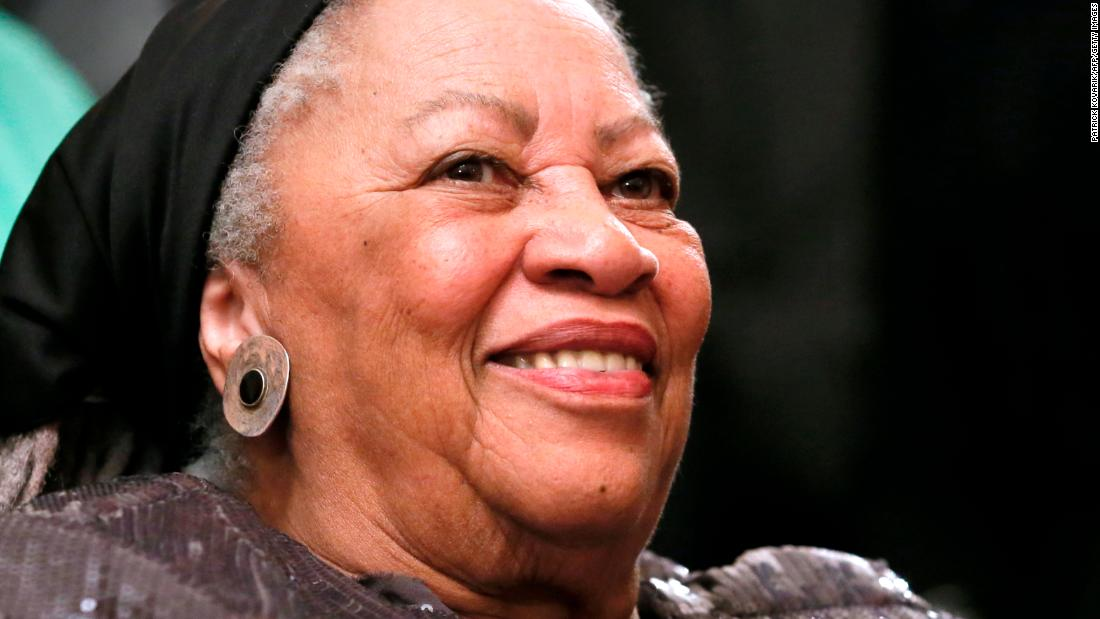 "Toni Morrison : ""My world did not shrink because I was a black female writer. It just got bigger."""