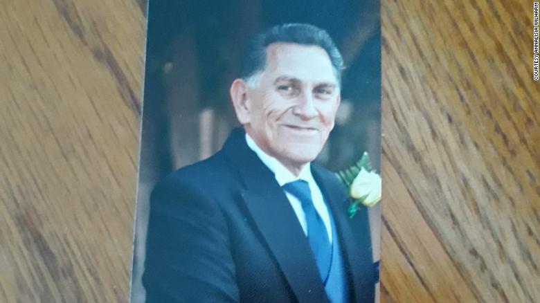 Ernest Quintana murió luego de que un médico que lo visitó a través de un robot le dijo que ya no quedaban más opciones de tratamiento.