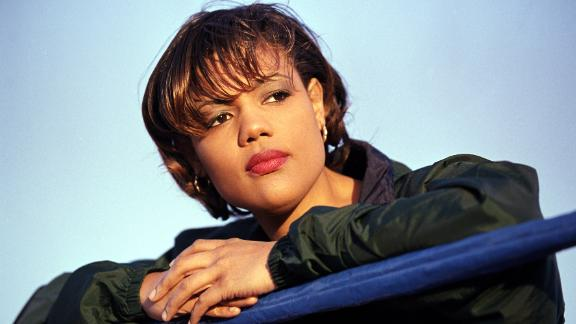 Freeda Foreman poses in the ring during a 2000 press conference in Las Vegas.
