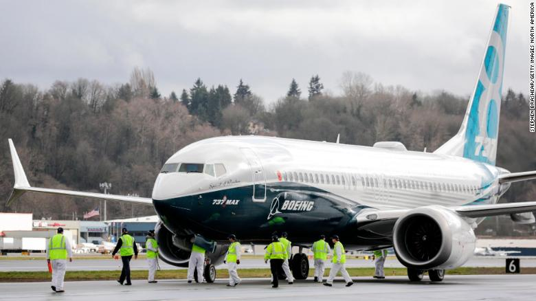 Boeing stands by plane as major airlines ground aircraft