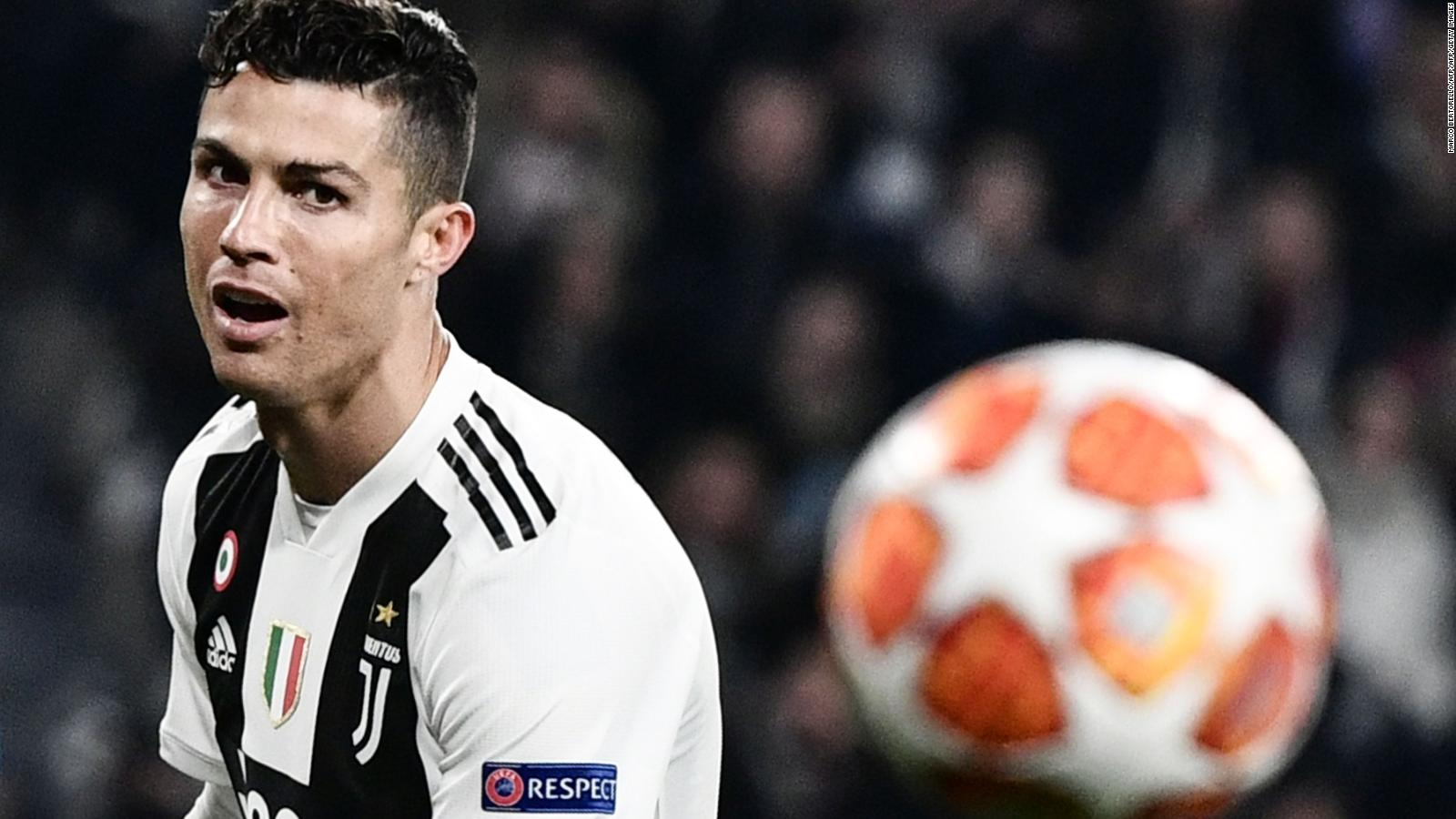 Cristiano Ronaldo Hat Trick Keeps Juve S Champions League Dream