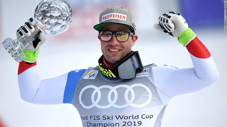 Swiss racer Beat Feuz clinched his second straight World Cup downhill season title.