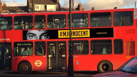 Transport for London has announced it will remove adverts from its buses that proclaim Michael Jackson's innocence.