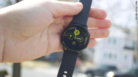 f6d46675412 Samsung took a step back with the Galaxy Watch Active. It s a super slim  and lightweight