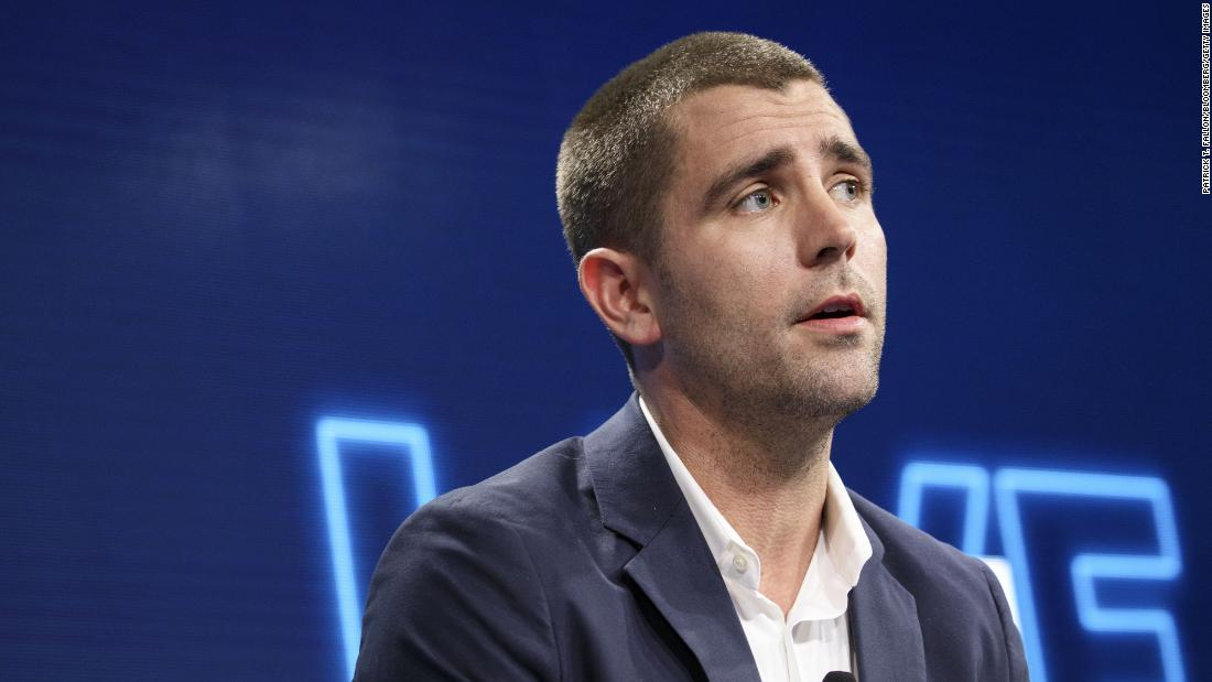 Facebook loses two execs as it shifts to 'privacy-focused' platform