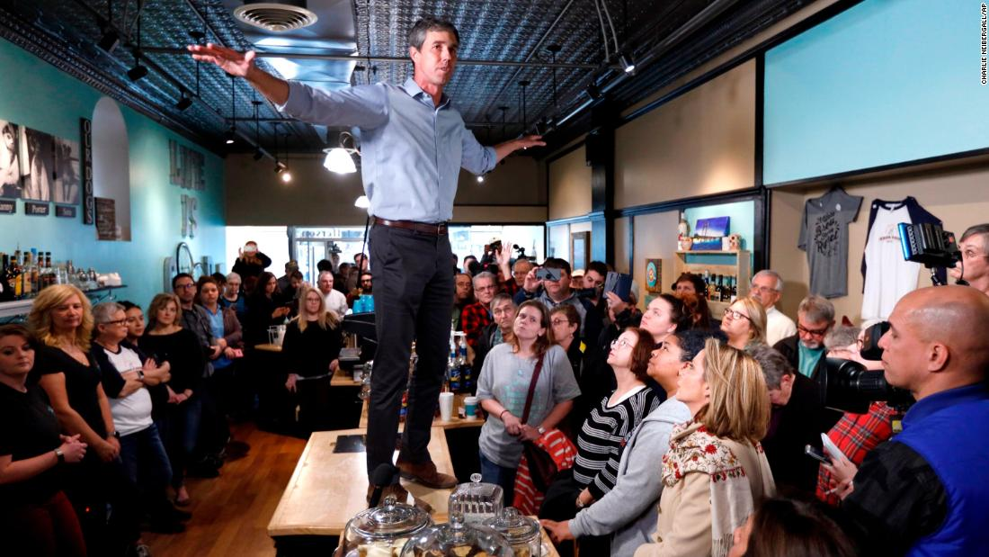 Don't worry, Beto O'Rourke asks before he stands on counters