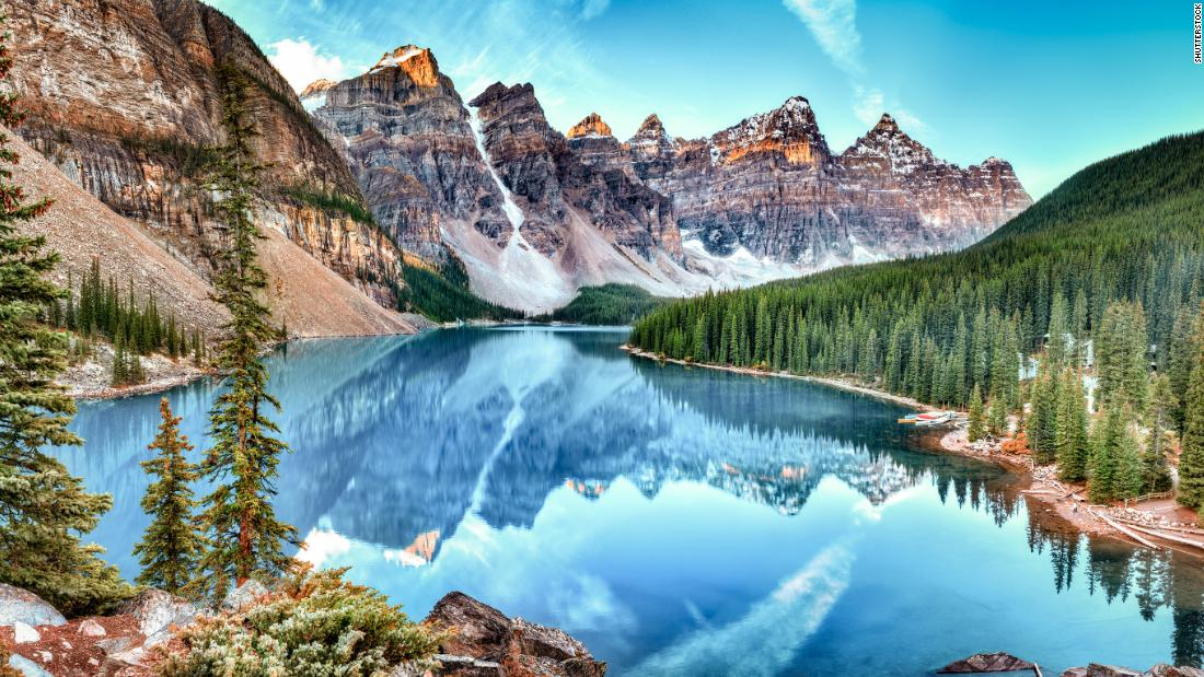 <strong>9. Canada.</strong> The only American country (North or South) in the top 10 list, Canada has many protected natural parks to explore, including Banff National Park in Alberta.