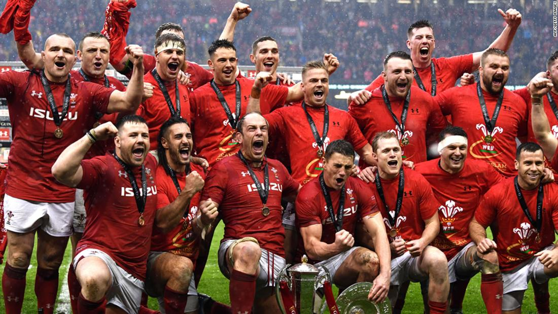 Wales clinched the Six Nations title and the Grand Slam for a tournament clean sweep after victory against Ireland in the final game.