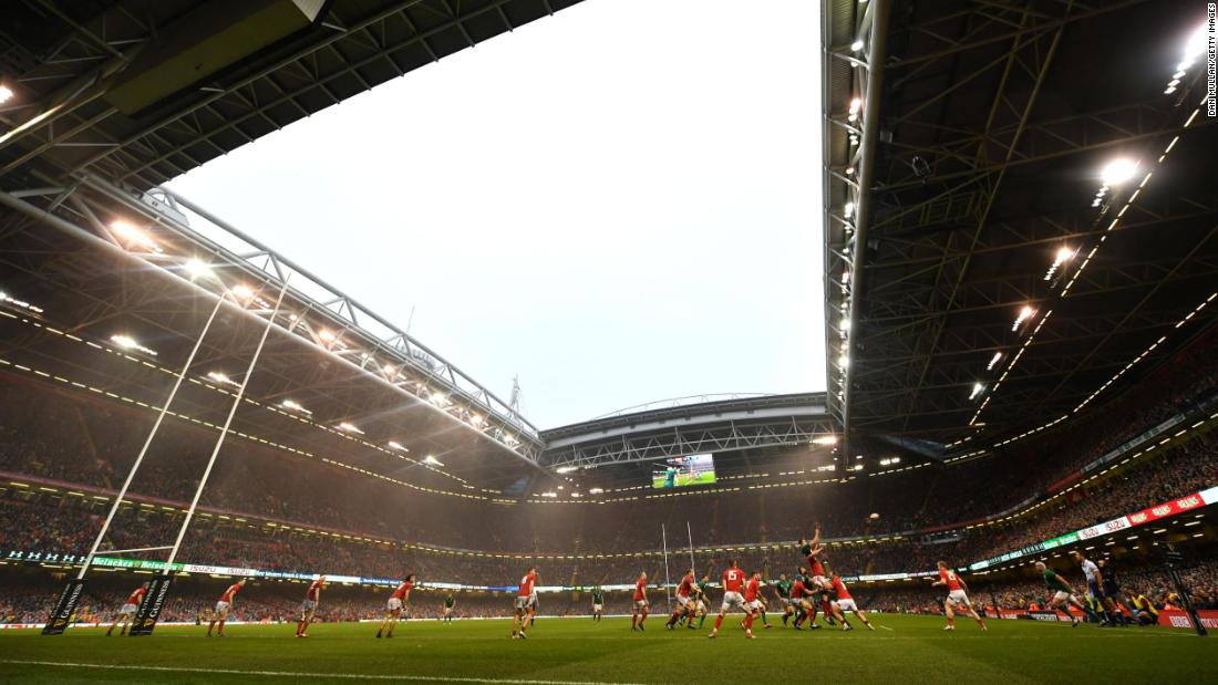 The open roof made conditions difficult for both sides but failed to dampen the spirits of the capacity crowd.