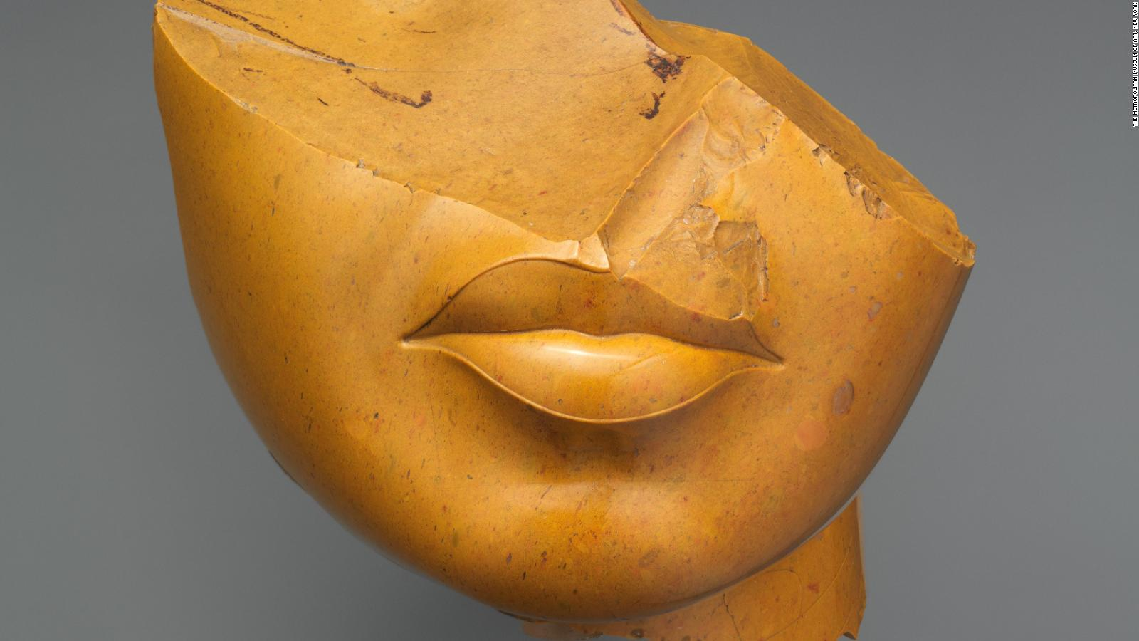 Why do so many Egyptian statues have broken noses? - CNN Style