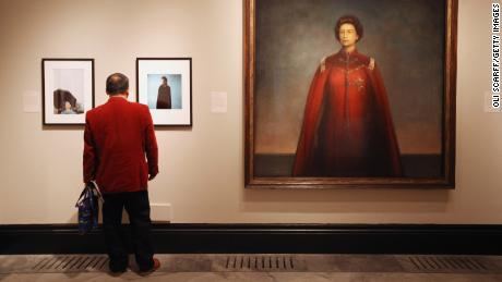 London's National Portrait Gallery and Sackler family agree to rescind £1 million donation