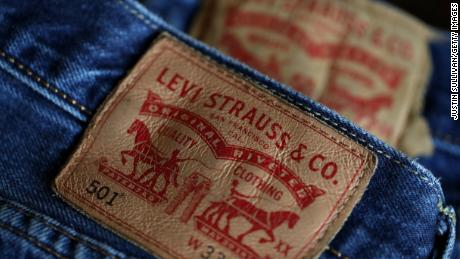 6f4b98d7 SAN FRANCISCO, CALIFORNIA - FEBRUARY 13: The Levi's logo is displayed on Levi's  501