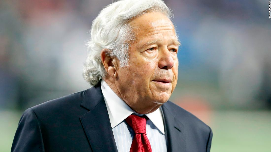 Robert Kraft offers apology after charges of soliciting prostitution