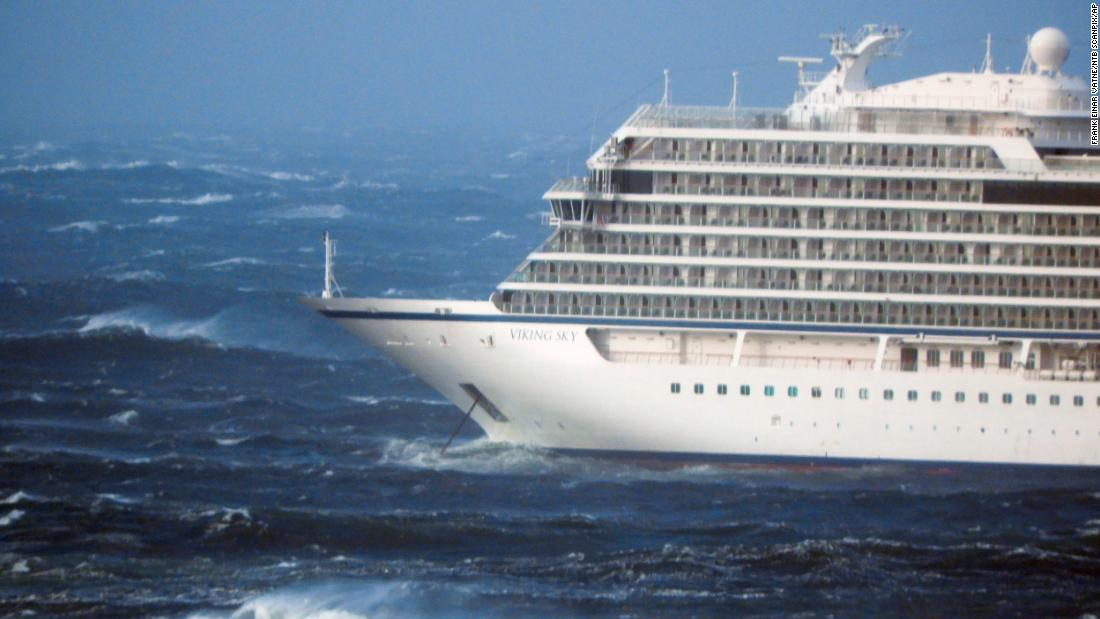 Cruise ship evacuating passengers and crew in bad weather off Norway