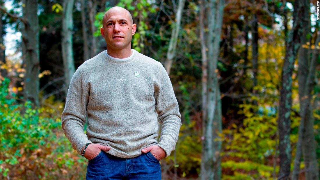 Father of Sandy Hook victim dies from apparent suicide