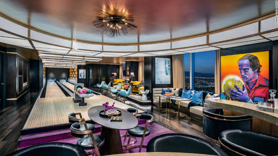 A Vegas classic gets a near $700-million makeover