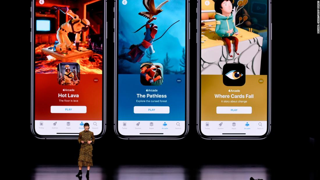 Apple launches game subscription service
