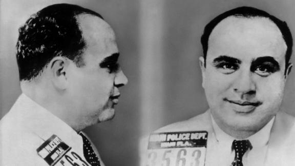 (Eingeschränkte Rechte für bestimmte redaktionelle Kunden in Deutschland. Limited rights for specific editorial clients in Germany.) Al Capone, US gangster, portrait in arrest. Around 1930  (Photo by ullstein bild via Getty Images)