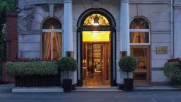 Oscar Wilde's London haunt debuts after $50 million makeover