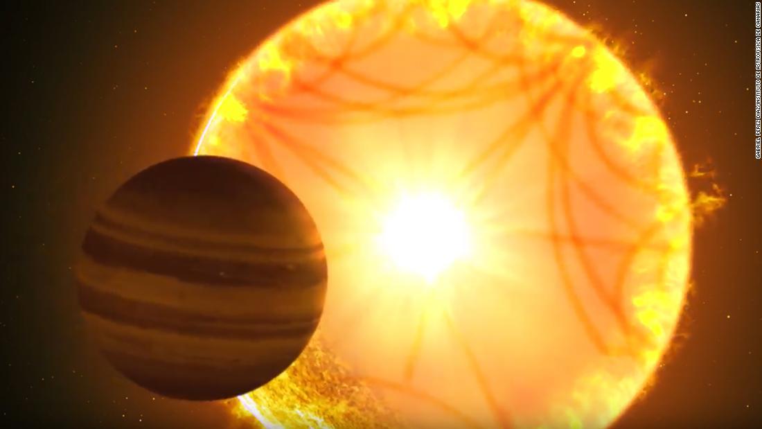 """在这个插图中,一个""""热土星""""在它的主星前面经过。研究恒星的天文学家利用""""星震""""来描绘恒星的特征,这颗恒星提供了关于地球的重要信息。"""