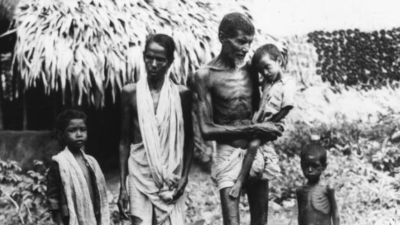 This Indian family arrived in Kolkata in 1943 in search of food.
