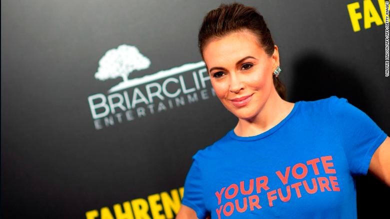 d7f40a41 Alyssa Milano called for a sex strike to protest strict abortion ...