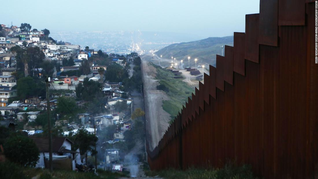 Mexico sends nearly 15,000 troops to the US border