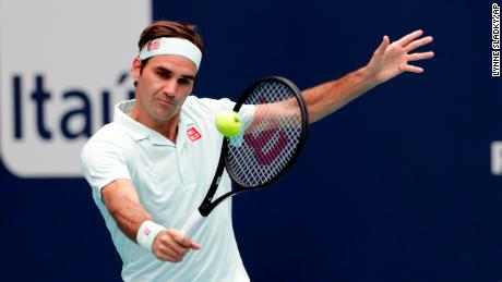 Roger Federer won the Miami Open title in straight sets.