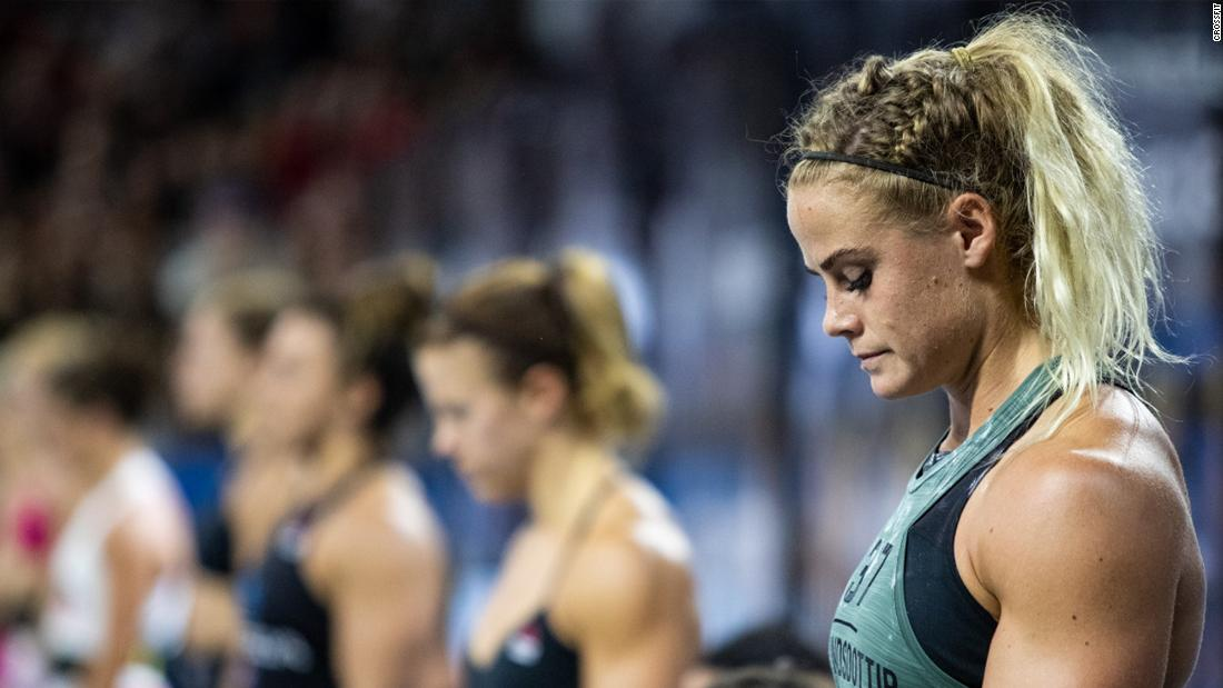 How CrossFit star Sara Sigmundsdottir dealt with a broken bone on the biggest stage
