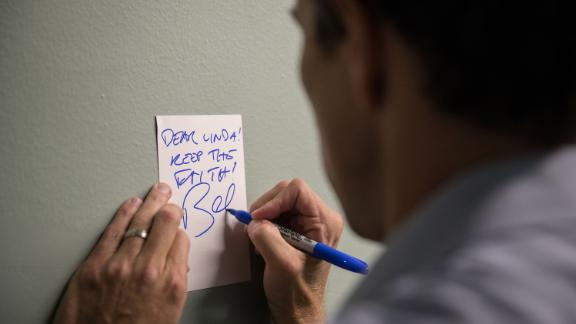 "O'Rourke signs a note for a supporter after a campaign rally in Fort Worth in October 2018. It reads: ""Dear Linda! Keep the faith!"""