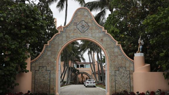 An entranceway to President Donald Trump's Mar-a-Lago resort is seen on April 03, 2019 in West Palm Beach, Florida. (Photo by Joe Raedle/Getty Images)